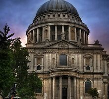 St Paul's Cathedral - London by Yhun Suarez