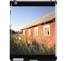 Abandoned old red barn with rusty tin roof iPad Case/Skin