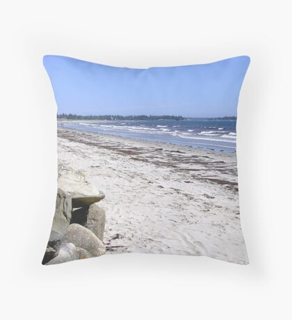 Crescent Beach, North-East Throw Pillow