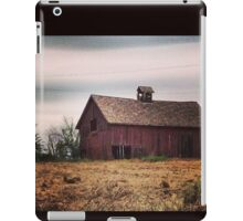 Rustic Red Barn Surrounded by Fields of Gold iPad Case/Skin