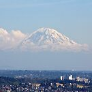 Mt Rainier from the Seattle Space Needle by Jonicool