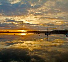 Sunrise Boomer Bay, Tasmania by andychiz