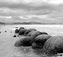 Moeraki Boulders,  Koekohe Beach, NZ by danjc7