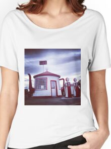 Tiny Old Fashion Teapot Gas Station Women's Relaxed Fit T-Shirt