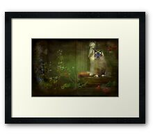 """Hey  Mum ! I'm on your Table !"" Framed Print"