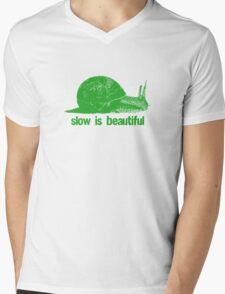 slow is beautiful - green Mens V-Neck T-Shirt