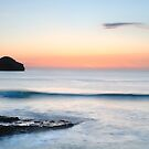 Gull Rock Wave, Trebarwith Strand, Cornwall. by Swell Photography