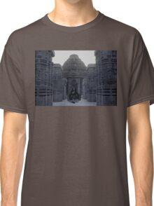 Itachi IRL uchiha temple Classic T-Shirt