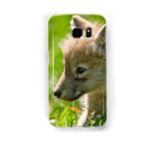 Just smelling the flowers _ Arctic Wolf Pup Samsung Galaxy Case/Skin