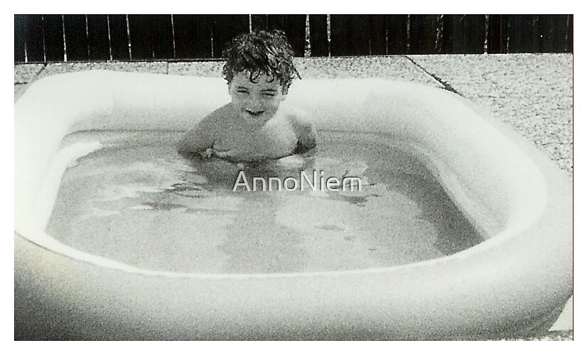 Oldskool Swimmingpool by AnnoNiem
