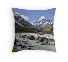 Rush Hour at Mount Cook Throw Pillow