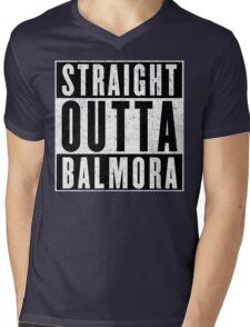 Adventurer with Attitude: Balmora Mens V-Neck T-Shirt