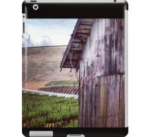 Distressed Barn in Wine Country iPad Case/Skin
