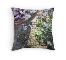 A prettiness Throw Pillow