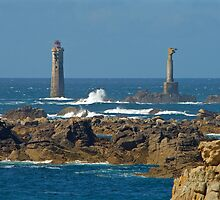 Ouessant - Phare de Nividic by Jean-Luc Rollier