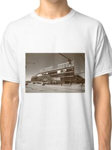 Wrigley Field - Chicago Cubs Classic T-Shirt