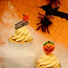 _Halloween cupcake by adellecousins