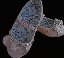 Tia's Shoes by Kim Slater