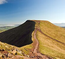Pen-y-fan by Steve  Liptrot