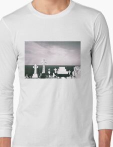 A place to rest by the ocean Long Sleeve T-Shirt