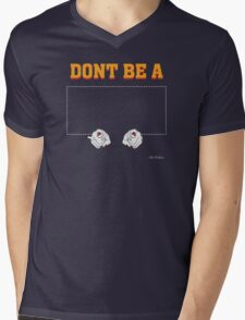 Don't Be a Square / Mia Wallace Mens V-Neck T-Shirt