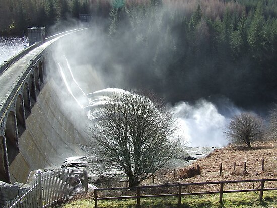 Feel The Force - Laggan Dam, Scotland by Chris Goodwin