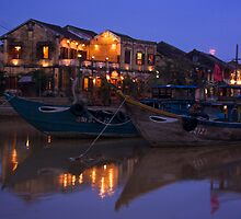 Moon rise over Hoi An by Gordito73
