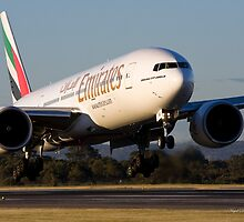Emirates EK421 B777-21H-LR by Nigel Donald