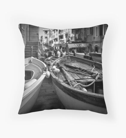 Manarola street scene Throw Pillow