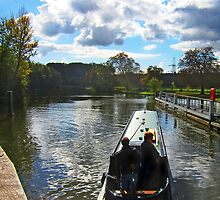Narrow boat at Iffley lock, Oxford, UK by buttonpresser