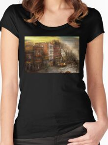 Fireman - Washington DC - Fire at Bedell's Bedding 1915 Women's Fitted Scoop T-Shirt
