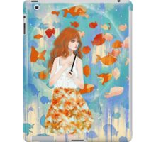 Fish in the rain 魚と雨 iPad Case/Skin