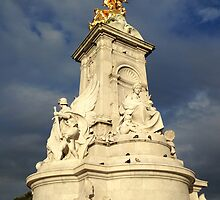 Victoria Memorial Statue Summer The Mall London  by randy0151
