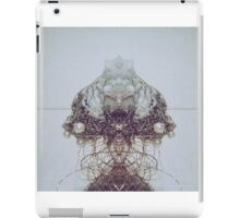 Pearl wire iPad Case/Skin