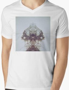 Pearl wire Mens V-Neck T-Shirt