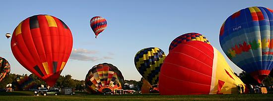 Ready, Steady, Go! - Gatineau Balloon Festival by Debbie Pinard