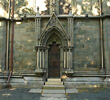 A door - Nidaros Cathadral by Lee d'Entremont