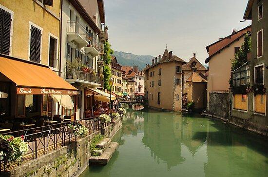 Old city of Annecy by Béla Török