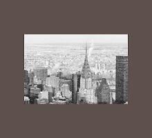 New York City - Snow Falls - Chrysler Building Unisex T-Shirt