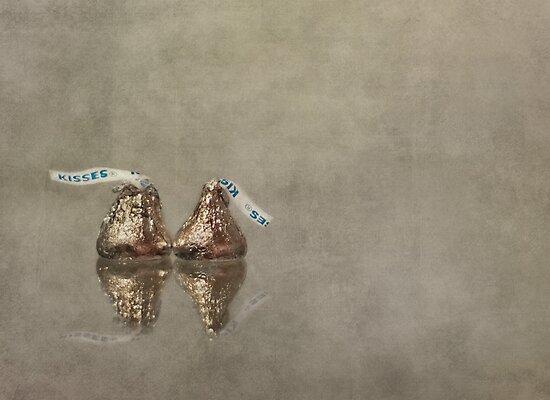 Kisses by Evelina Kremsdorf