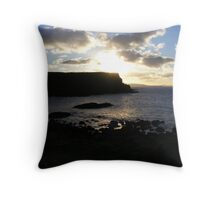 Giant's Causeway - fading light Throw Pillow