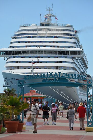 Cruise Liner by irishlad57