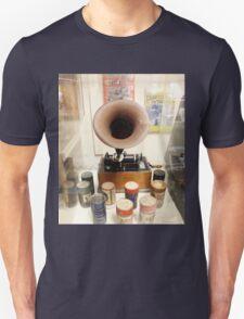 Retro Vintage Edison Cylinder Phonograph  Unisex T-Shirt