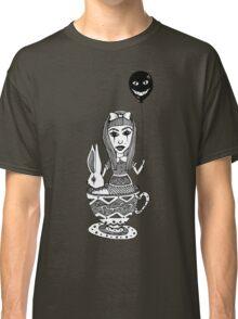 Alice´s Tea Cup Classic T-Shirt