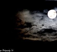 Bad Moon Rising by toddhallowell