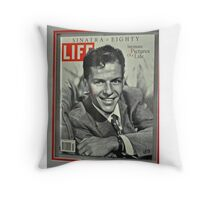 FRANK SINATRA LIFE COVER  Throw Pillow