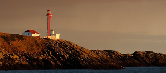 Yarmouth Light by Debbie  Roberts