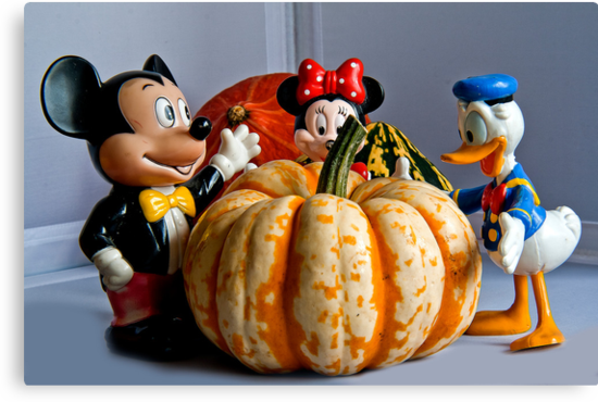 Micky Donald & Minny enjoy Pumpkin by Elaine123