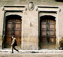 Local walking to Uffizi in Florence, Italy by KirstyBuchanan