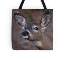 Kiss me! - White-tailed Deer Tote Bag